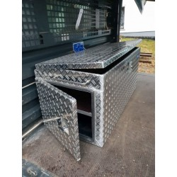 Pritschenbox mit Seitentür