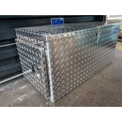 pritschenboxen aus aluminium riffelblech aluminiumpritschenkisten hochwertige aluminiumboxen. Black Bedroom Furniture Sets. Home Design Ideas