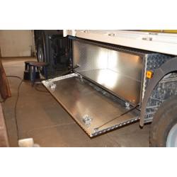 Seitenbox Aluminiumkiste offen